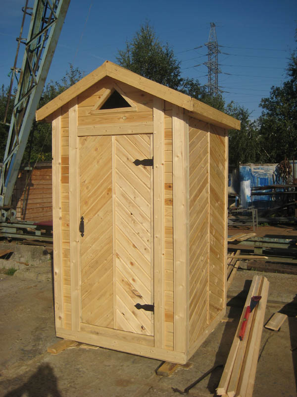 Деревянный туалет фото